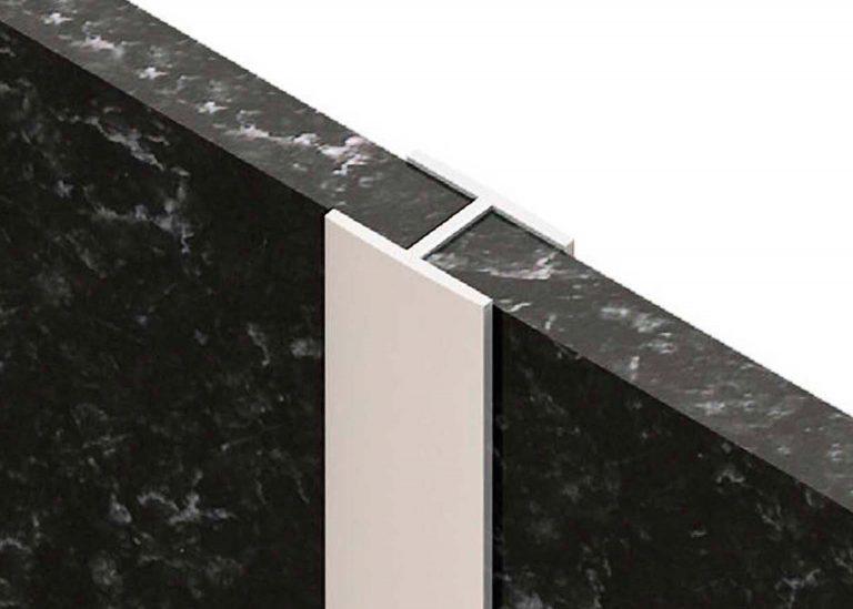 Планка для стеновой панели щелевая Н 600 мм