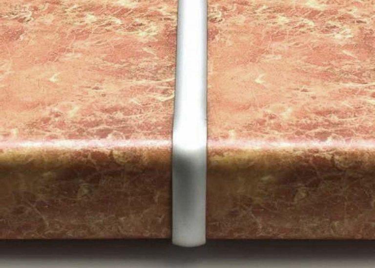 Планка для столешницы соединительная щелевая 600 мм